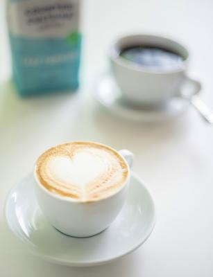 l'il b coffee capuccino: Swizzle Chill