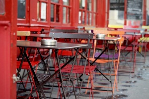 Washington DC uses streateries to support restaurants during Phase One. DC restaurants can apply for outside space for free.